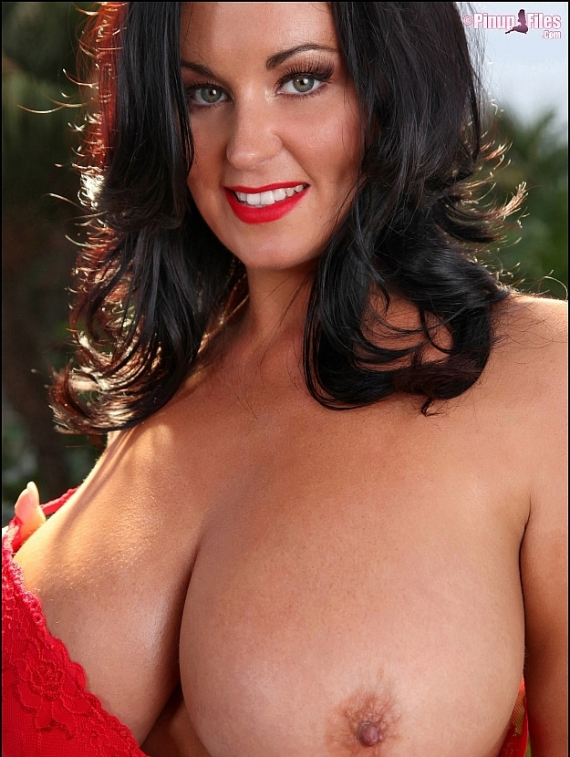 pinup files - classically inspired busty pinup girls -